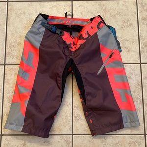 Fox Demo DH mtb leopard print shorts